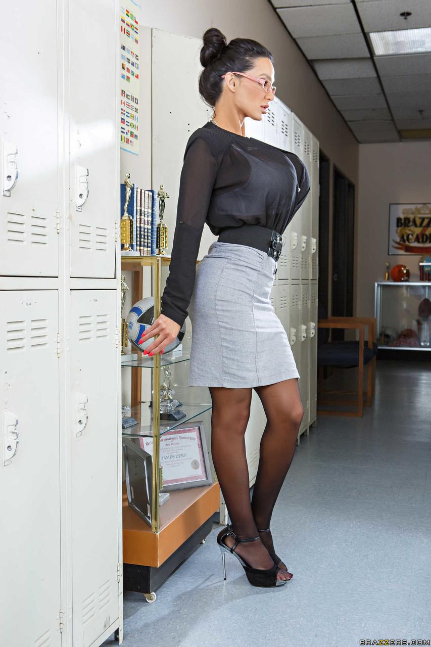 Big Tits At School Amy Anderssen Nikki Benz