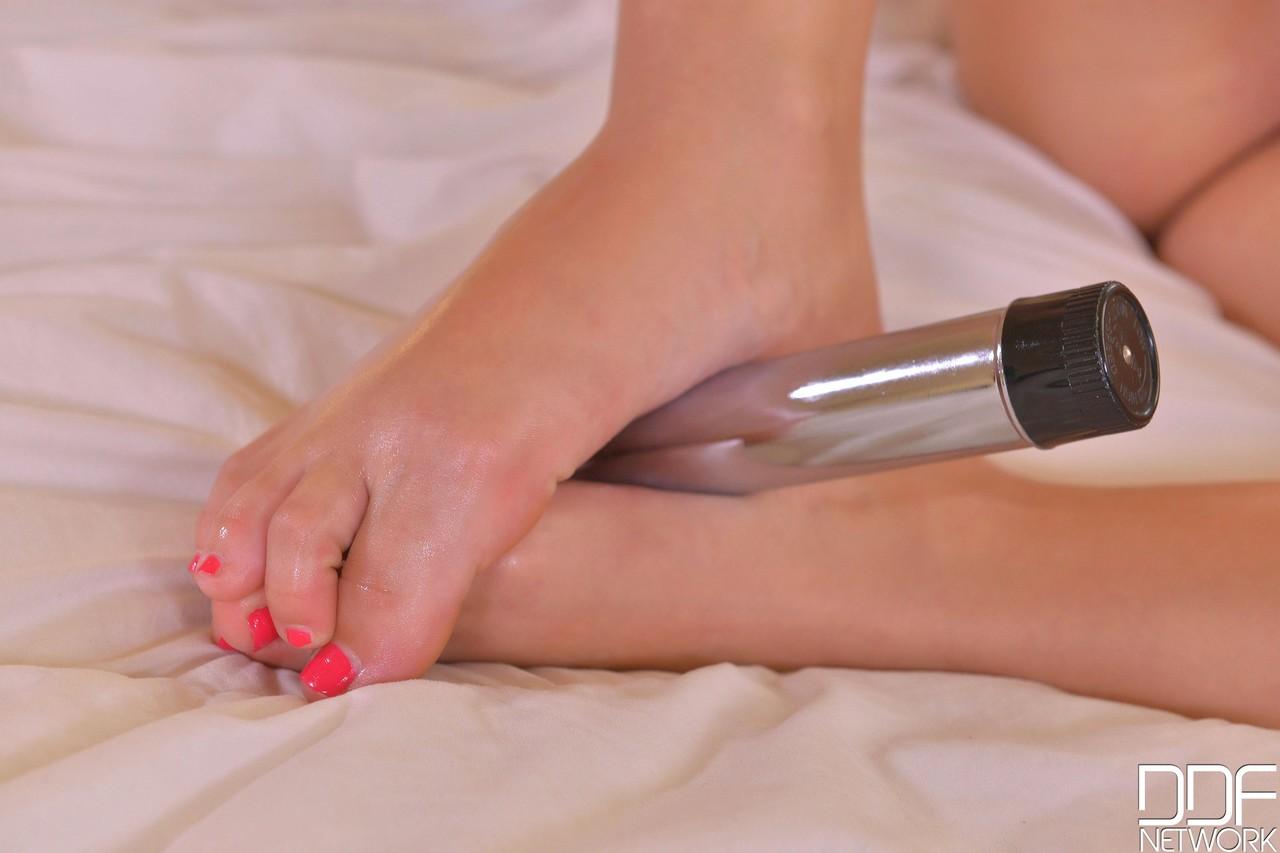 Hot Legs and Feet Vyvan Hill