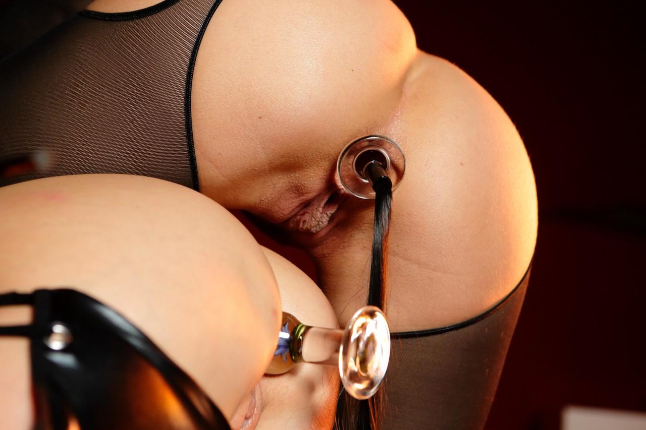 Lesbian babes Carla Cox and Aleska Diamond play anal and vaginal games
