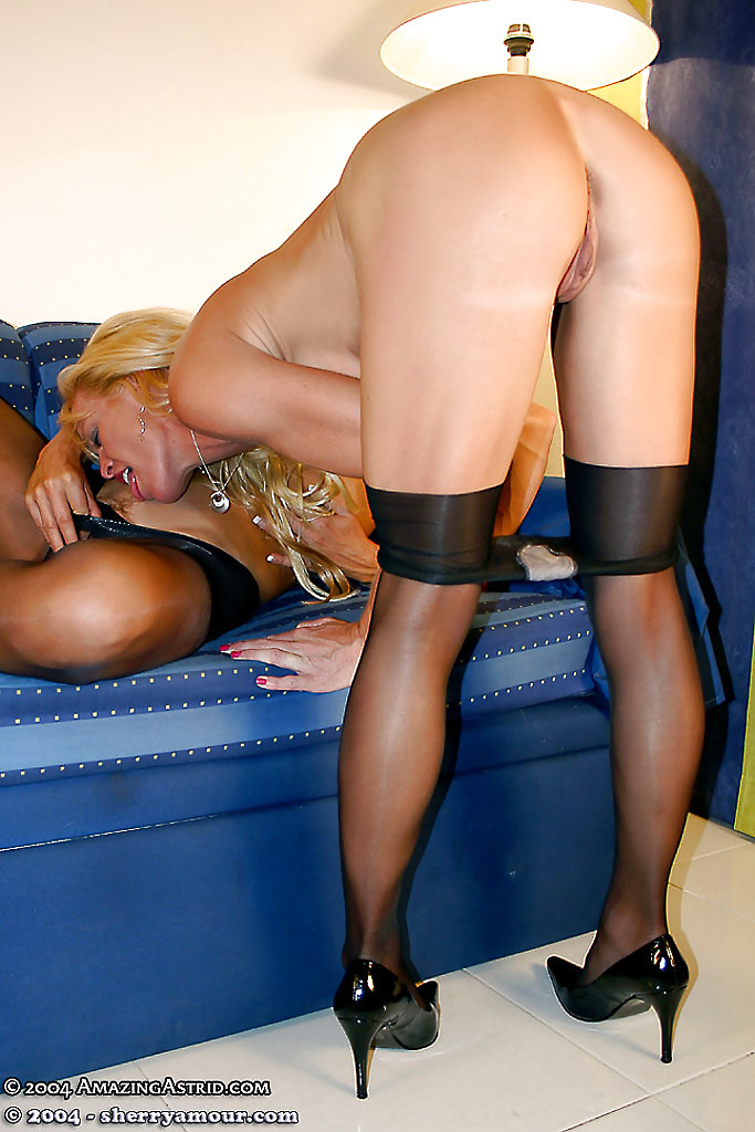 Desirable mature vixens in pantyhose make some sensual lesbian action