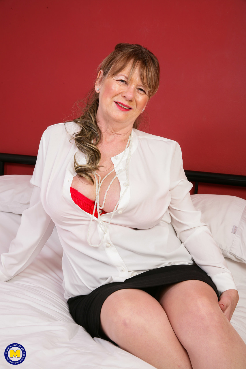 Mature housewife stockings can