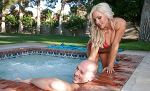 Blonde chick Cameron Dee has her ass fucked hardcore outdoor
