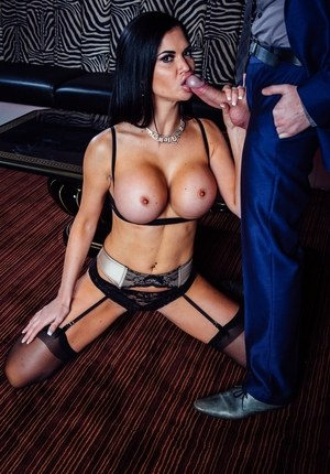 Busty MILF Jasmine Jae seduces her guy in black nylons and lingerie