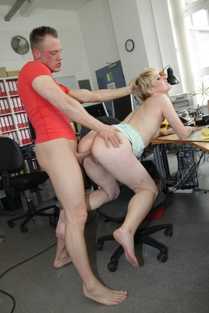 Office MILF Jil Thomson enjoying rough fuck with her younger manager