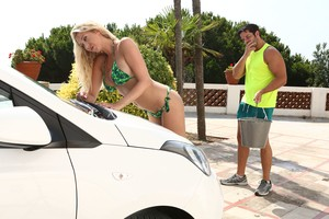 Car-washer Lexi Lowe make Nick wild with her giant tits and gets banged by car