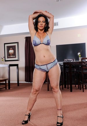 Thick older lady Melissa Monet models in matching bra and panty combo