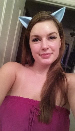 Thick amateur takes takes self shots off her ample assets around the house