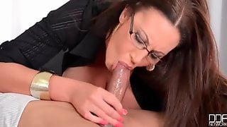 Huge Tits Chick In Glasses And Stockings Gives Head