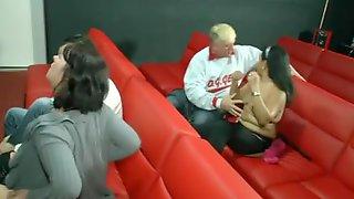 πορνό στο σινεμά Omegle μεγάλο πουλί