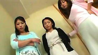 Asian Facesitting 2