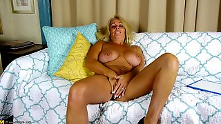 Curvy Reife Masturbation Hd