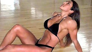 Fit Sport Babes With Hot Muscles!