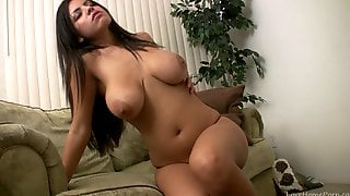 Busty Girl Screams When She Reaches An Orgasm