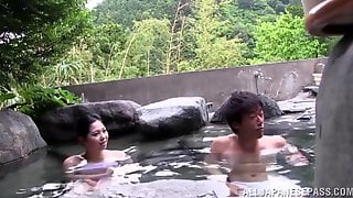 Lascivious Japanese Girl Has Threesome Sex In An Outdoor Bath