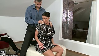 MMF Threesome With Brunette Fucked In All Holes And Double Penetrated