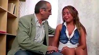 smotret-vnezapniy-seks-video-po-russki-lizala-popki-u-podrug