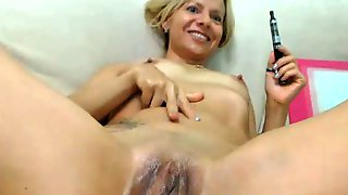 Girl stivks something unsuslky in pussy pornhub your