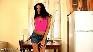 Sweet Anita Pearl Plays With A Huge Dildo In A Solo Model Video