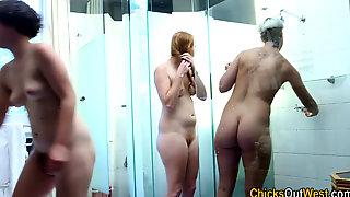 Showering Aussie Threeway