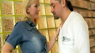 Jeans Skirt Mommy Groped And Fucked By Syrian Refugee