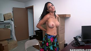 Magnificent Jazmine Gets Fucked By A Colleague In A Backroom