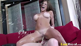 Babe With Great Curves Squirts While Being Plowed Hardcore