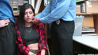 ShopLyfter Case 3645782 Audrey Royal Submits To Two Officers