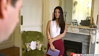 Long Hair Euro Beauty Knows All About Sucking And Fucking