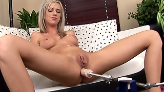 Anal Sex With Fucking Machine Of Kaylee Hilton
