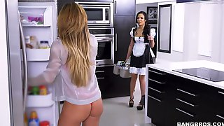 Provocative Threesome Scene Featuring Seductive Milf Nina Dolce