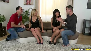 Sluty Women Jemma Valentine And Bella Beretta Foursome Sex