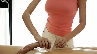 Fellow Is Igniting Babes Urges With Fleshly Oil Massage