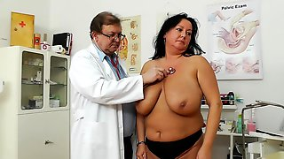 Full Gyno Exam For Busty Mature