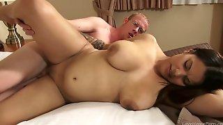 Amateur Latina Teen Fucked Hard By Her Geeky Boyfriend