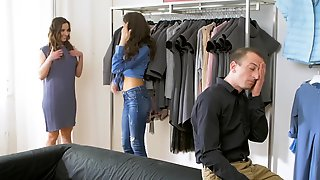Amirah Adara Gets Seduced Into Fingerfuck & Oral Sex By The Salesgirl Verona Sky