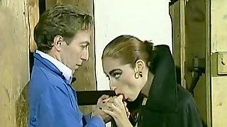 Watch Online A Vintage Italian Porn Classic La Vampira
