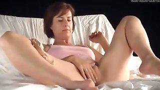 Lesbos porns masturbatian movil