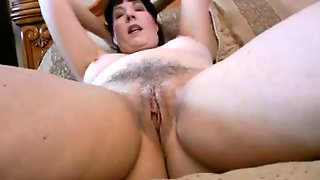 Mature Wife Of Mine Spreads Her Legs Wide And Exposes Her Cunny