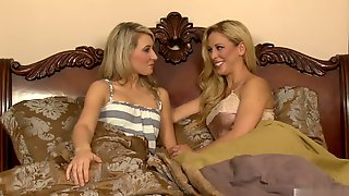 Watch How Two Hot Blondes Are Fucking In Threesome With Huge Cock
