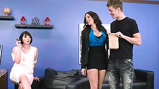 Ariella ferrera in ripped leggings taking deep anal