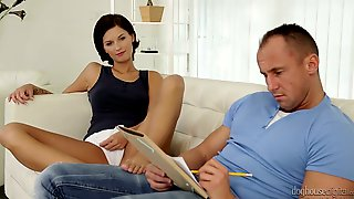 Naughty GF Jennifer Jane Does Her Best To Lure Her BF For Afternoon Sex