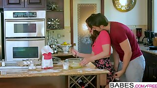 Babes - Step Mom Lessons - Joseline Kelly Natasha Nice - Oops I Made A Mess