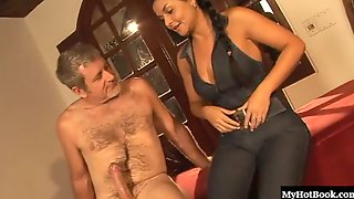 Tamiry Chiavari Is A Beautiful Brazilian Babe Who Has A Magnificent Pair Of