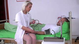 Sexy Nurse In White Stockings Cecilia Scott Gets Double Penetrate In The Hospital