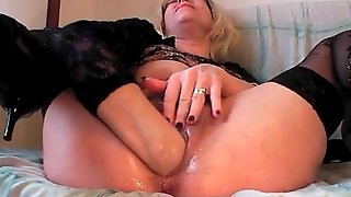 Self Fisting Porn Video With Blonde Mature