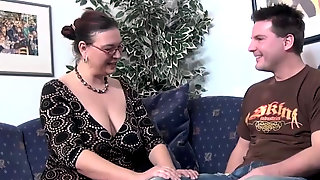 Mature Housewife Wants To Fuck With A Young Cock