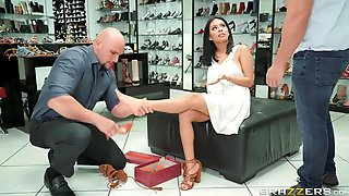 Horny Latina MILF Shows Her Pussy And Seduces Shoe Shop Manager