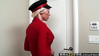 Brazzers - Big Tits In Uniform - Lolly Ink Ramon - Bagging The Bellgirl
