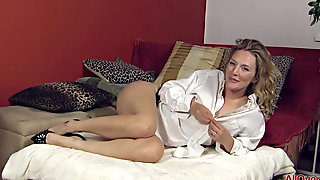 Beautiful Horny MILF Mona Wales Compilation
