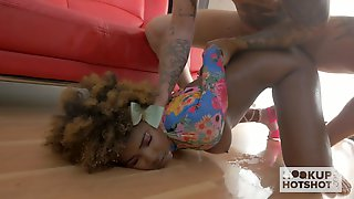 Soaking Cooch Of Lovely Chocolate GF Gets Pile Driven In A Hard Mode